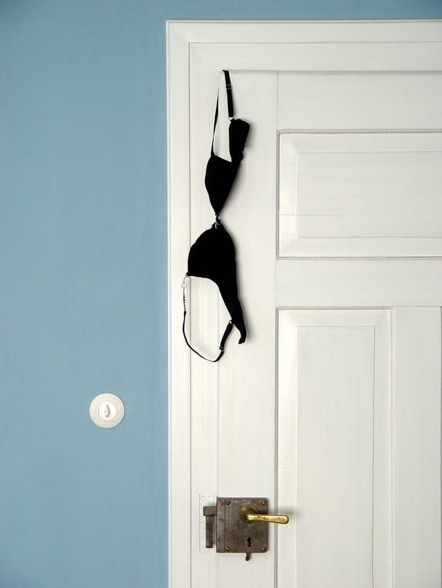 behind-bedroom-doors-i-1234715-639x850