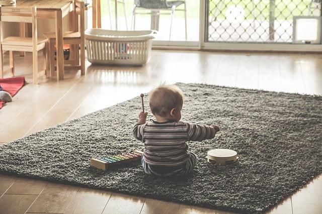 CHOOSING THE BEST BABY PLAY YARD